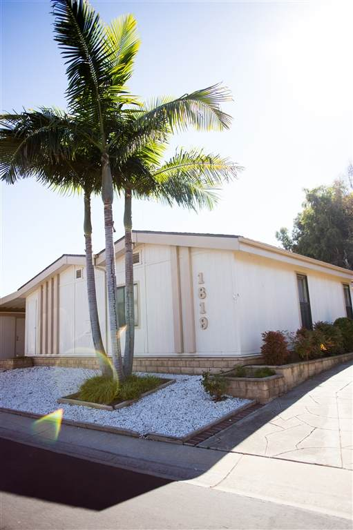 1819 Nova Glen, Escondido, CA 92026 (#200041972) :: Tony J. Molina Real Estate