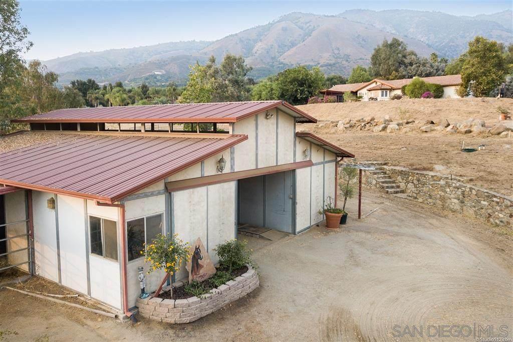 32318 Rincon Rancho Rd - Photo 1