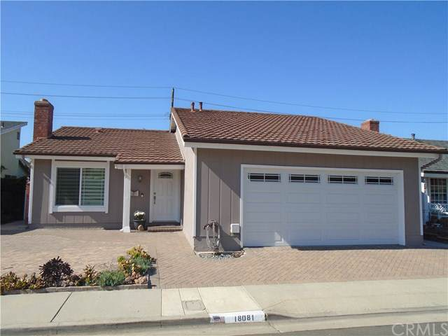 18081 Clearwater Circle, Huntington Beach, CA 92648 (#301716673) :: Whissel Realty