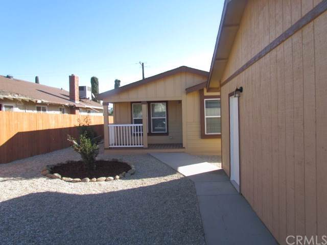 1560 Almond Way, Banning, CA 92220 (#302310605) :: Whissel Realty