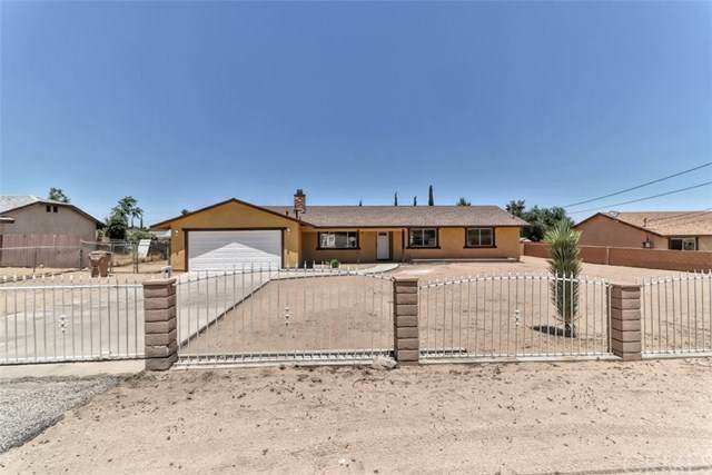 18532 Danbury Avenue, Hesperia, CA 92345 (#302535290) :: Cay, Carly & Patrick | Keller Williams