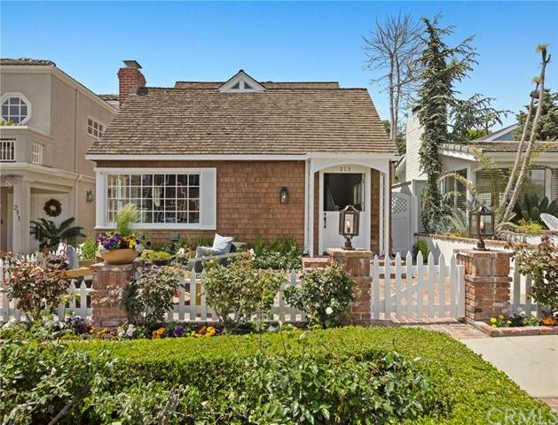 213 Iris Avenue, Corona Del Mar, CA 92625 (#NP21083081) :: Keller Williams - Triolo Realty Group