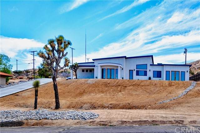 7664 Shafter Avenue, Yucca Valley, CA 92284 (#JT21102809) :: The Stein Group