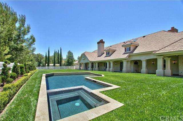 41960 Butterfield Stage Road, Temecula, CA 92592 (#SW21113696) :: Windermere Homes & Estates