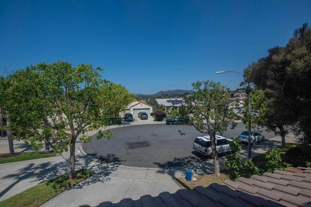 1363 Shinly Place, Escondido, CA 92026 (#NDP2109399) :: Wannebo Real Estate Group
