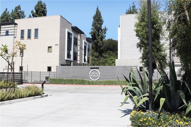3801 Eagle Rock Blvd. #4, Los Angeles, CA 90065 (#PW21193684) :: Keller Williams - Triolo Realty Group