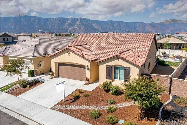 29229 Glasgow, Lake Elsinore, CA 92530 (#SW21190068) :: Wannebo Real Estate Group