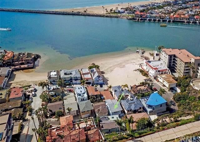 2609 Way Lane, Corona Del Mar, CA 92625 (#NP21194568) :: Wannebo Real Estate Group