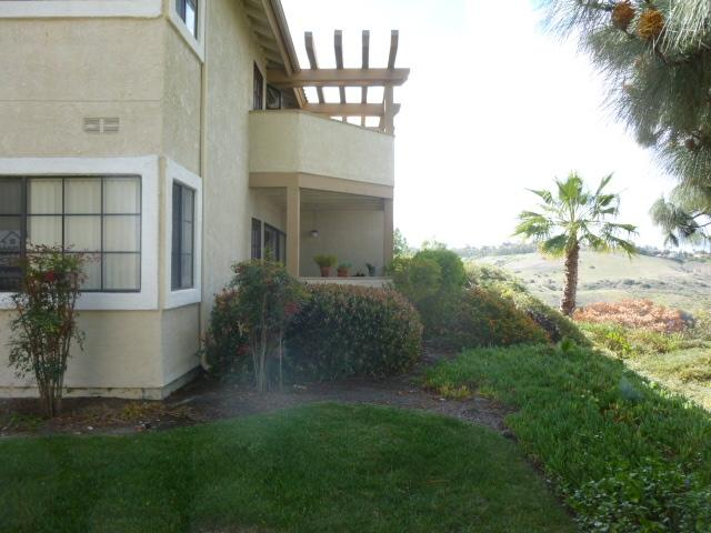3557 Paseo De Francisco #202, Oceanside, CA 92056 (#180013326) :: Neuman & Neuman Real Estate Inc.