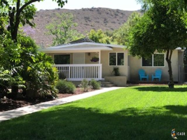 8272 Winter Gardens Blvd., Lakeside, CA 92040 (#180024075) :: The Yarbrough Group
