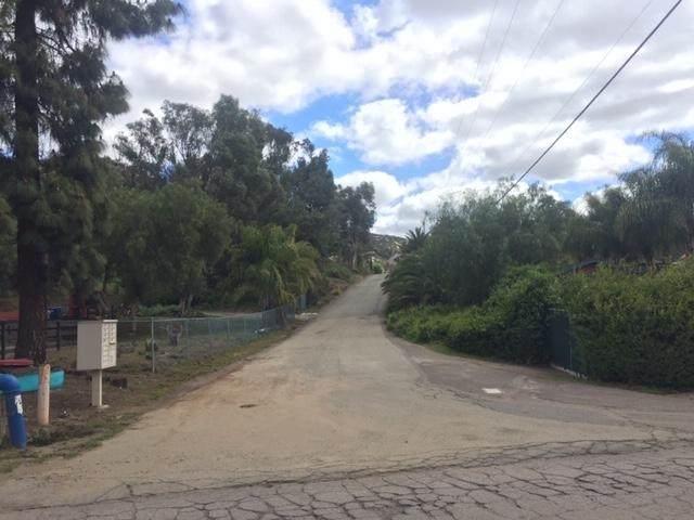 Adj. 435 Camino Calafia #22, San Marcos, CA 92069 (#200014489) :: Neuman & Neuman Real Estate Inc.