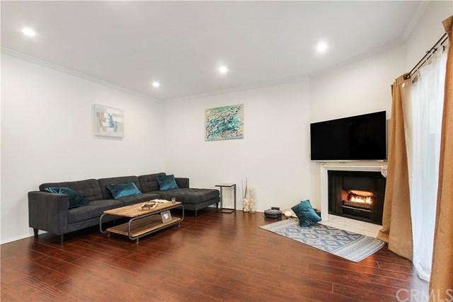 10926 Moorpark Street #6, North Hollywood, CA 91602 (#300974613) :: Coldwell Banker Residential Brokerage