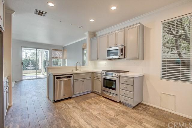531 Shadow Lane, Simi Valley, CA 93065 (#301120912) :: Coldwell Banker Residential Brokerage