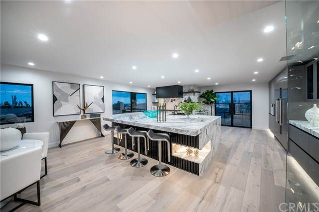 2260 Park Avenue, Laguna Beach, CA 92651 (#OC21063533) :: The Legacy Real Estate Team
