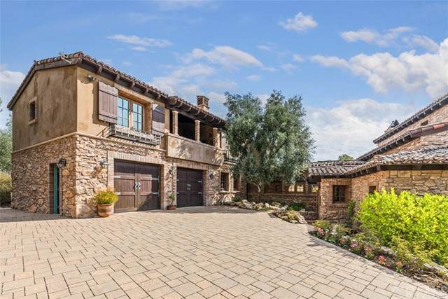 41100 Avenida Biona, Temecula, CA 92591 (#OC21175335) :: Rubino Real Estate