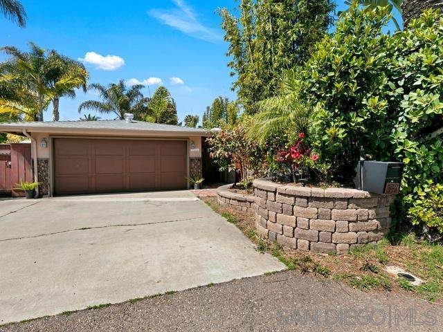 530 Chinquapin Ave, Carlsbad, CA 92008 (#200012747) :: The Stein Group