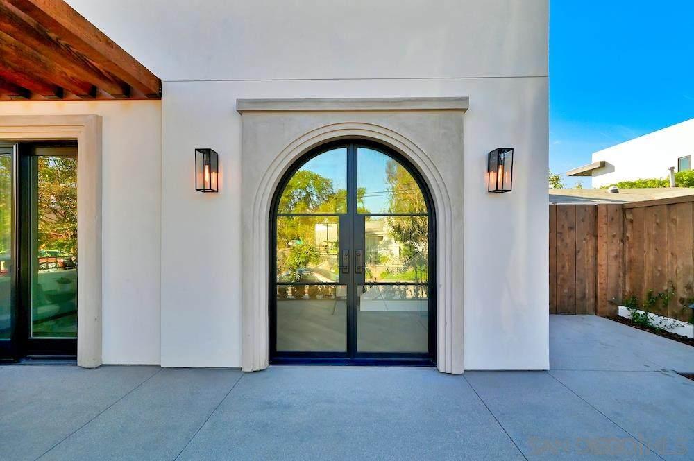 1729 Montecito Way - Photo 1