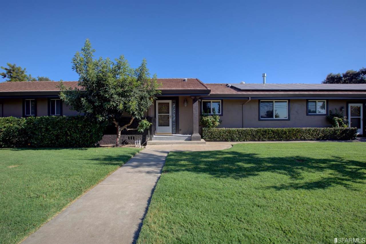 2353 W State Highway 140 - Photo 1