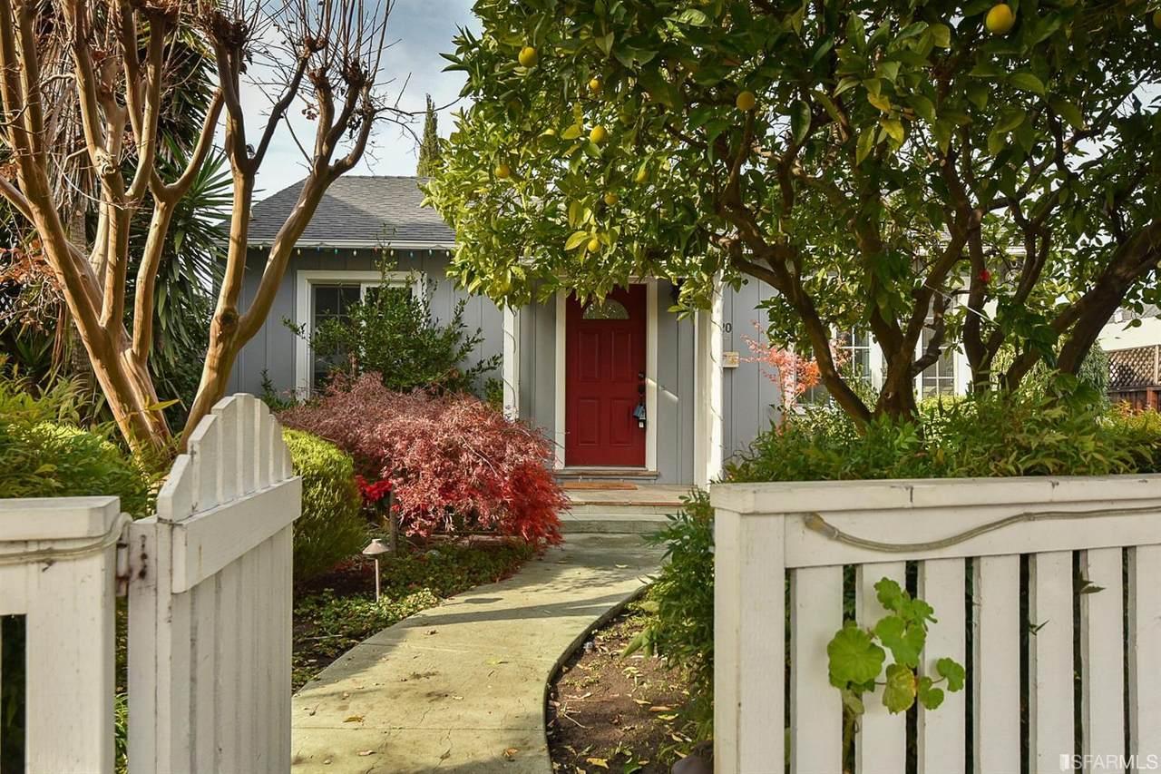 1820 Redwood Avenue - Photo 1