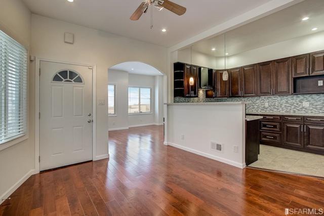 30 Flora Street, San Francisco, CA 94124 (#482094) :: Perisson Real Estate, Inc.