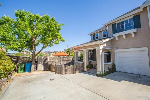 2052 Easton, Petaluma, CA 94952 (MLS #321033274) :: Keller Williams San Francisco