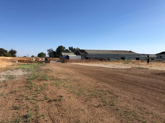 10815 S Carpenter Road, Crows Landing, CA 95313 (#221103250) :: The Kulda Real Estate Group