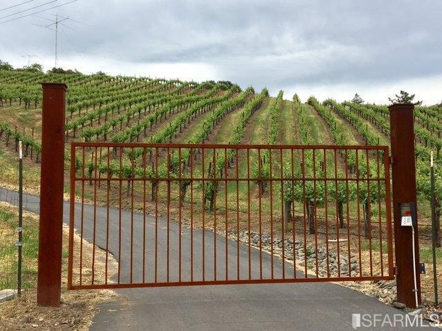 25984 Highland Ranch Road, Cloverdale, CA 95425 (MLS #477461) :: Keller Williams San Francisco