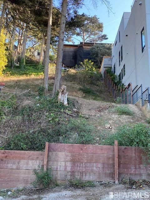 129 Edgehill Way - Photo 1