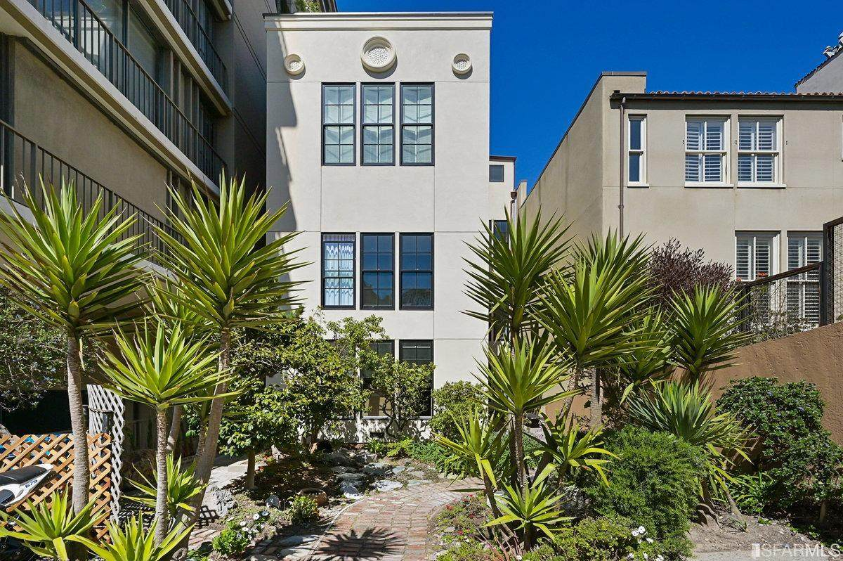 8 Russian Hill Place - Photo 1