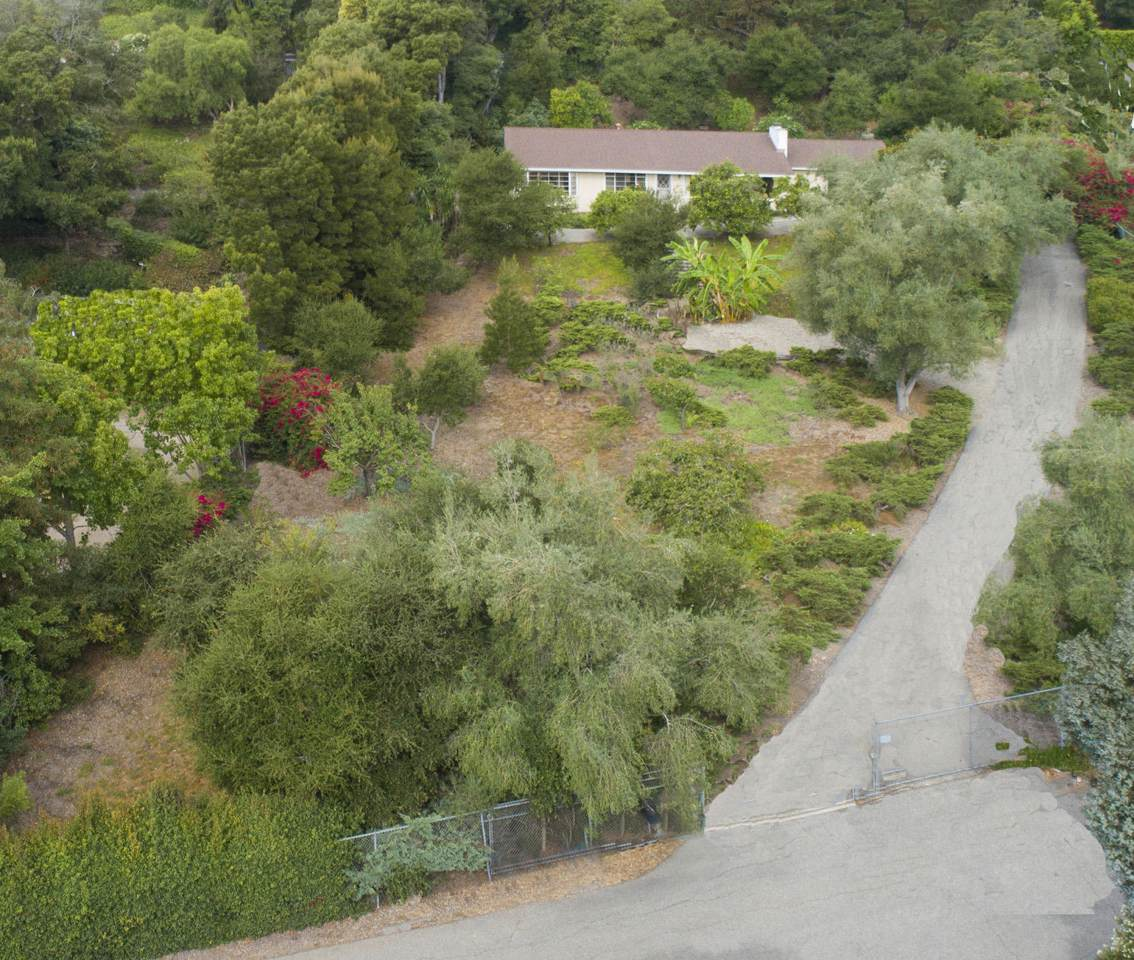 725 El Rancho Rd - Photo 1
