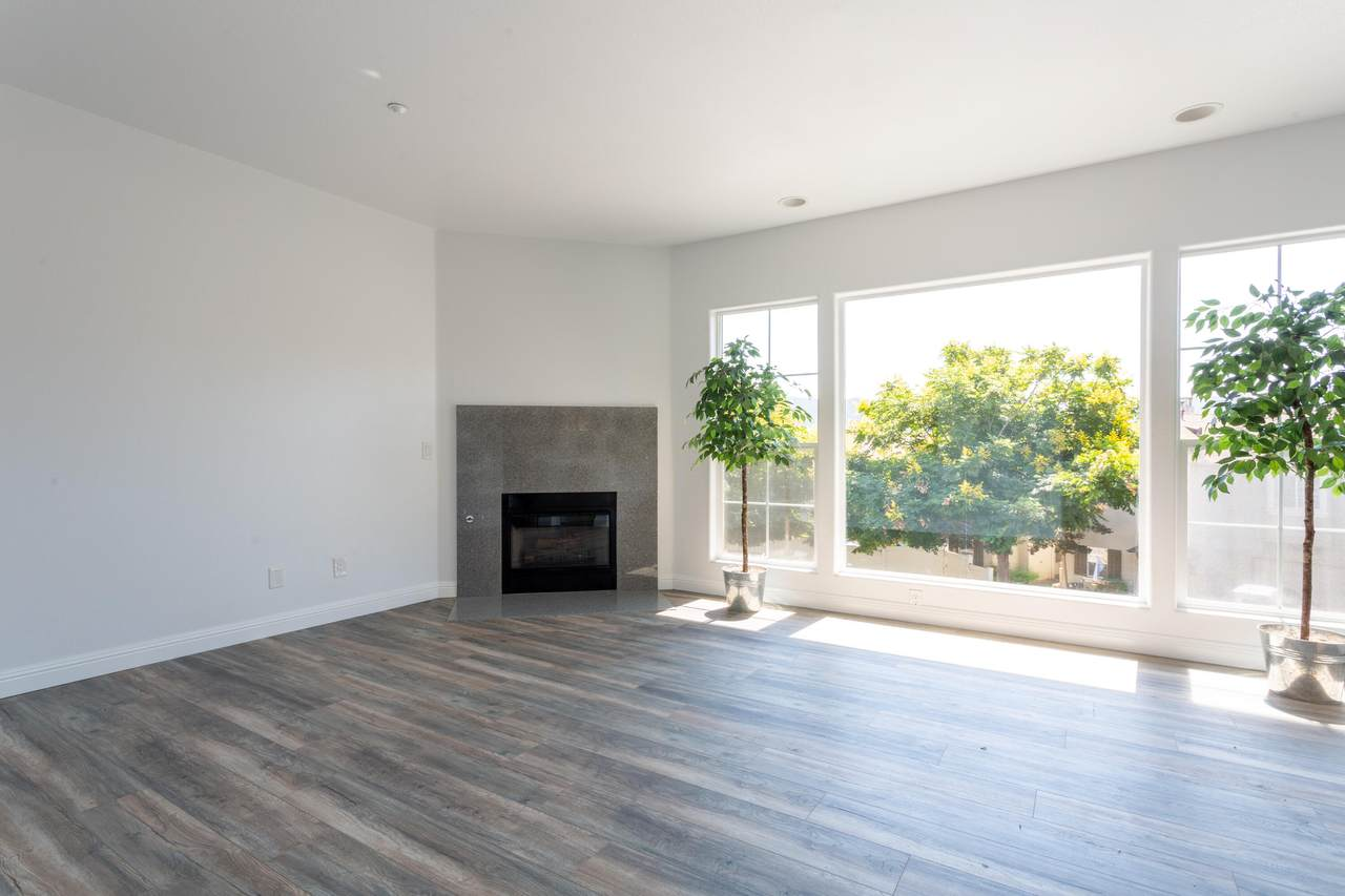 615 Central Ave - Photo 1