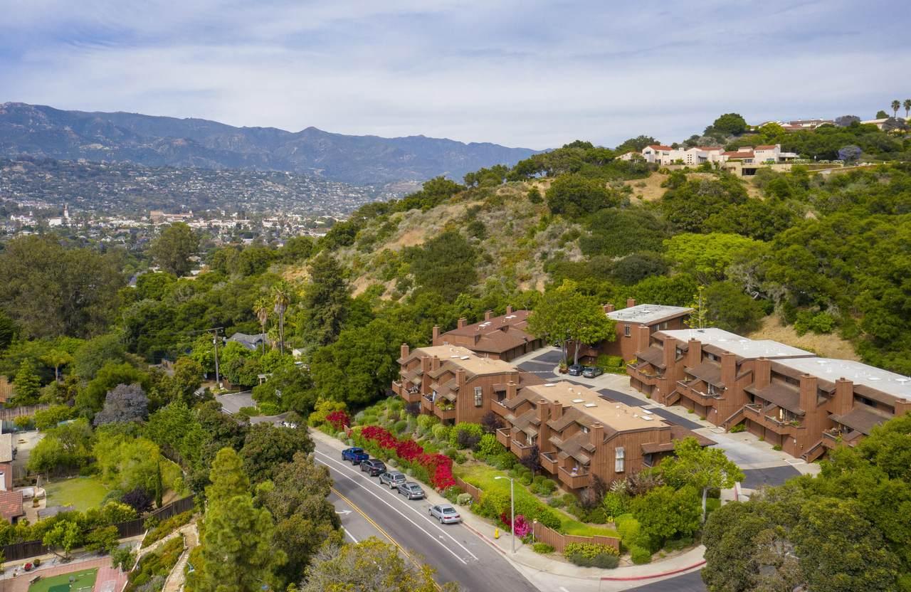 1050 Vista Del Pueblo - Photo 1