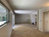320 Fairview Ave - Photo 9
