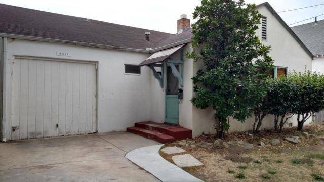 2011 Gillespie St, Santa Barbara, CA 93101 (MLS #17-2788) :: The Zia Group