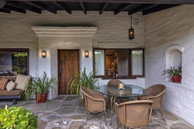 924 Garden St, Santa Barbara, CA 93101 (MLS #18-1083) :: The Zia Group