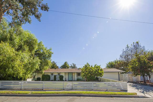 1110 Sunset Pl, Ojai, CA 93023 (MLS #18-2158) :: Chris Gregoire & Chad Beuoy Real Estate