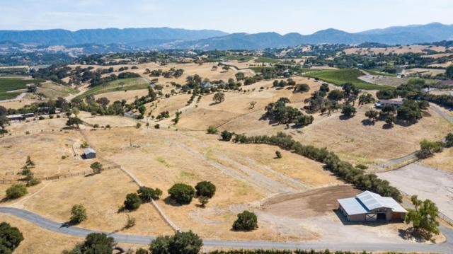 2110 Adobe Canyon Rd, Santa Barbara, CA 93463 (MLS #18-2643) :: The Zia Group