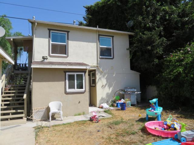271 Holt St, Ventura, CA 93001 (MLS #18-3061) :: The Zia Group