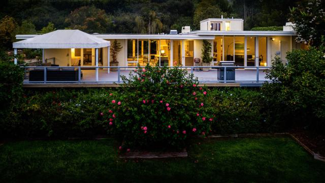 693 Toro Canyon Rd, Montecito, CA 93108 (MLS #18-3408) :: The Epstein Partners