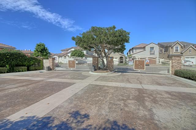 308 Field St, Oxnard, CA 93033 (MLS #18-3606) :: The Zia Group