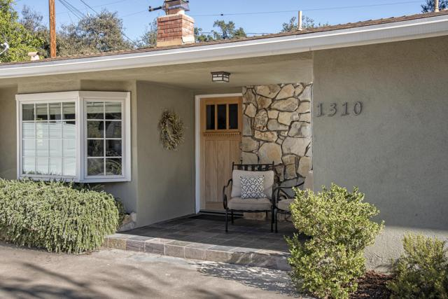 1310 Daly Rd, Ojai, CA 93023 (MLS #18-3819) :: Chris Gregoire & Chad Beuoy Real Estate