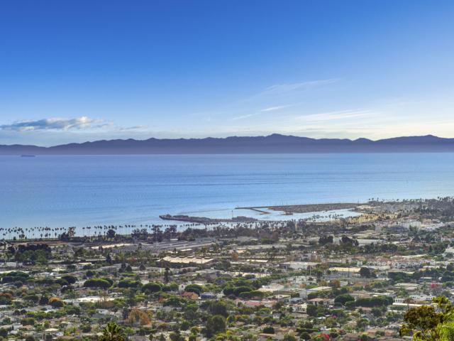 646 Las Alturas Rd, Santa Barbara, CA 93103 (MLS #19-178) :: The Zia Group