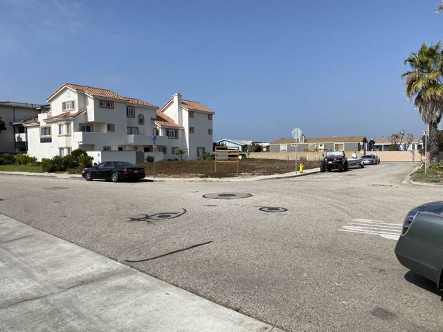 5201 Driftwood St, Oxnard, CA 93035 (MLS #19-3511) :: The Zia Group