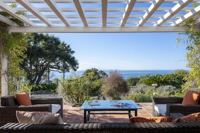 4002 Cuervo Ave, Santa Barbara, CA 93110 (MLS #20-1255) :: The Zia Group