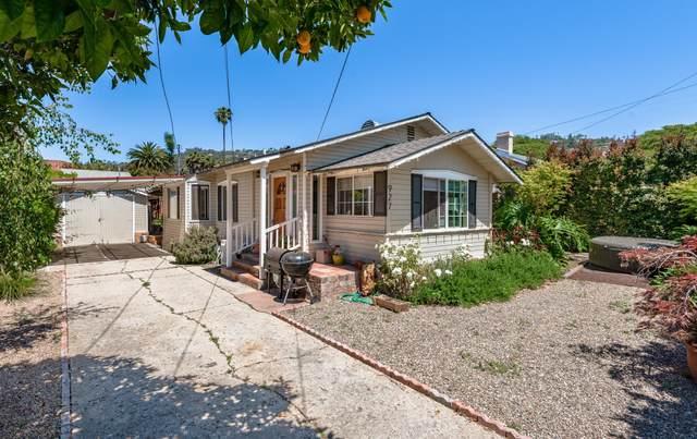 927 E Ortega St, Santa Barbara, CA 93103 (MLS #20-1665) :: The Epstein Partners