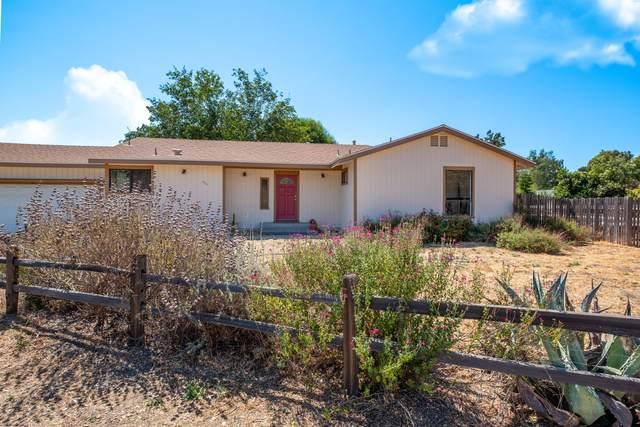 2715 Corral De Quati Rd, Los Olivos, CA 93441 (MLS #20-2912) :: The Epstein Partners