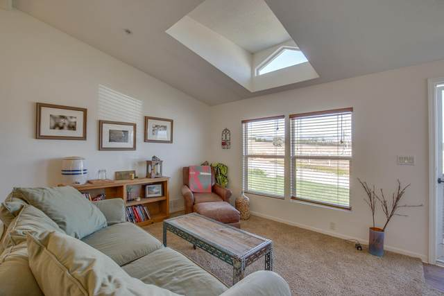 3640 Roblar Ave, Santa Ynez, CA 93460 (MLS #20-3772) :: Chris Gregoire & Chad Beuoy Real Estate