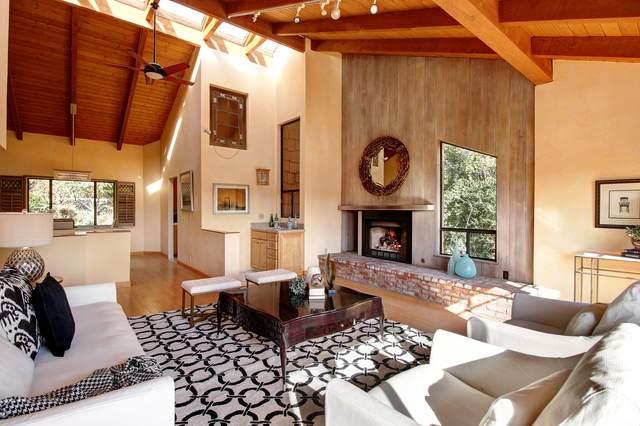 1485 La Cima Rd, Santa Barbara, CA 93101 (MLS #20-3861) :: Chris Gregoire & Chad Beuoy Real Estate