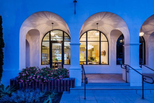 401 Chapala St #105, Santa Barbara, CA 93101 (MLS #20-851) :: The Zia Group