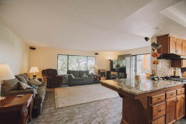 297 Oak Hill Dr, Lompoc, CA 93436 (MLS #21-1650) :: Chris Gregoire & Chad Beuoy Real Estate